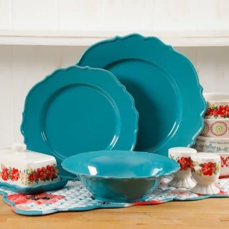 The Pioneer Woman Vintage Ruffle 20-Piece Dinnerware Set $29 (Was $59)