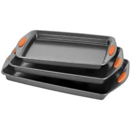 Rachael Ray Oven Lovin' 3-Piece Baking and Cookie Pan Set $15.57 (Was $60)
