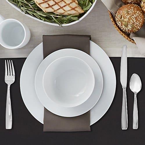 AmazonBasics 16-Piece Dinnerware Set, Service for 4 $24.41