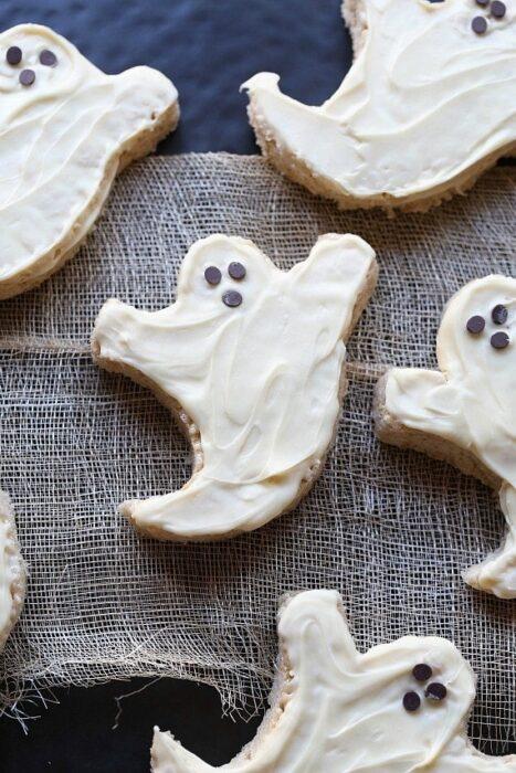 Halloween Ghost Treats: Spooky Ideas for a Creepy Halloween Party